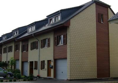 Reihenhaus Holz mit Steinfassade